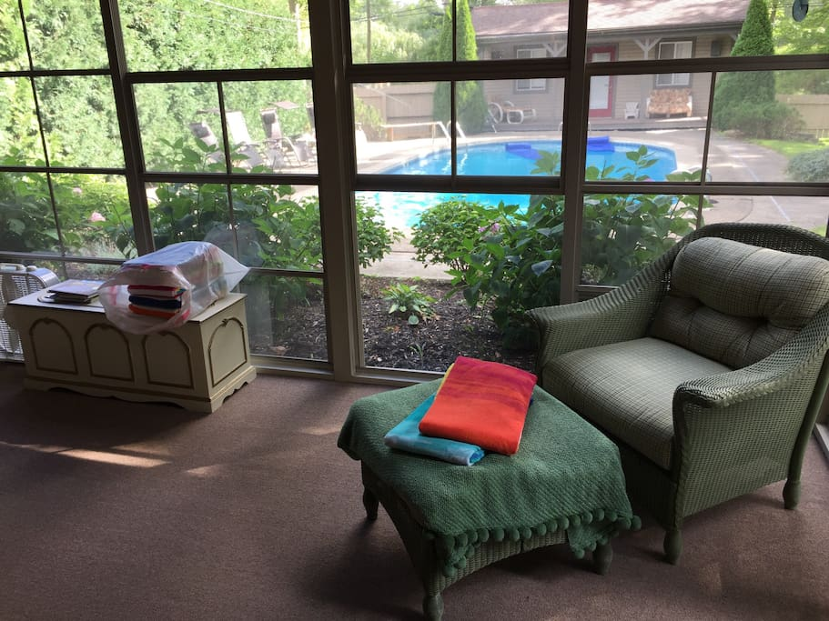 Florida Room. Quiet, private, & comfortable.