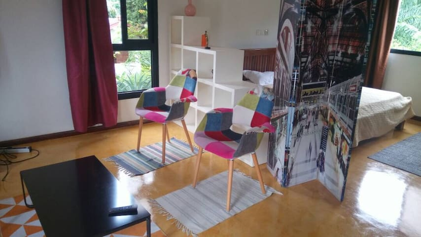Studio 3A meublé 47m² en résidence à Kribi