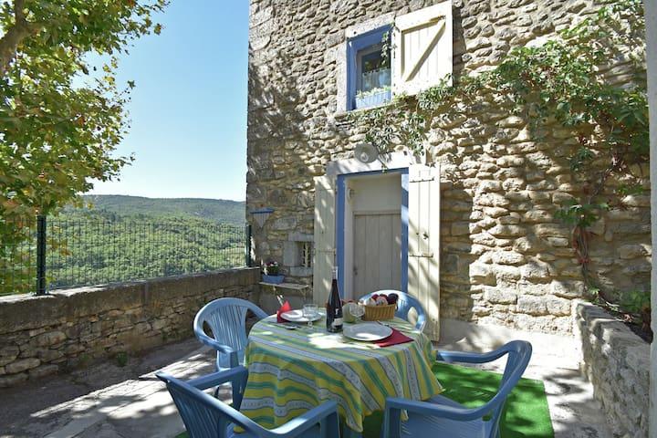 Villa tradicional en Bonnieux con jardín