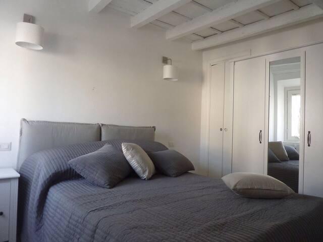 Camera da letto/Letto Matrimoniale  Bedroom/Queen-size bed