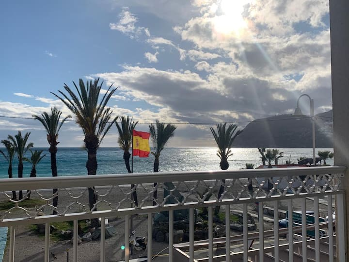 La Herradura. Primera Linea de Playa - Beach Front