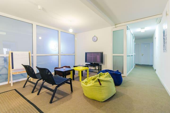 Opera hostel 1-bed
