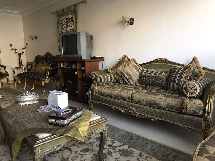Stylish and luxurious 3 bed apartment uptown Cairo
