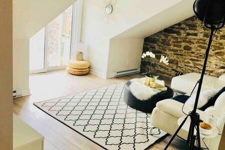 Heritage Perth:   Waterfront Maisonette Apartment