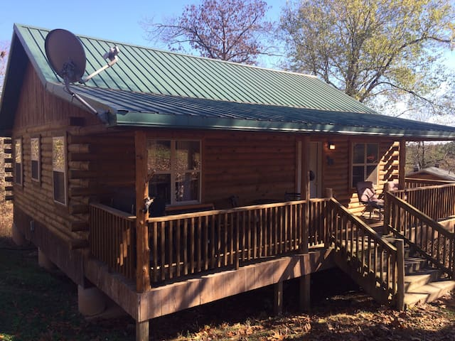 Mark Twain Lodging Cabin #1