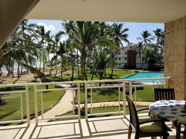 BEACH FRONT APARTMENT, HAVEN OF PEACE