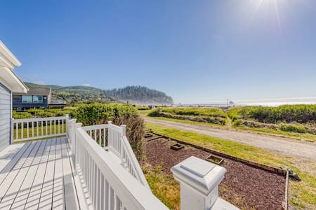 NEW LISTING! Waterfront, dog-friendly house w/ gorgeous sunsets & ocean views!