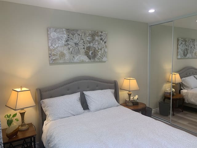 Remodeled Special cosy room 12 miles to Disneyland