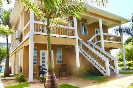 Beach front apartments- Mitchell by the Sea - Guánica - アパート