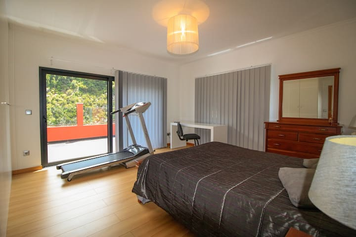 Bedroom with balcony access and Gymnastic walkway