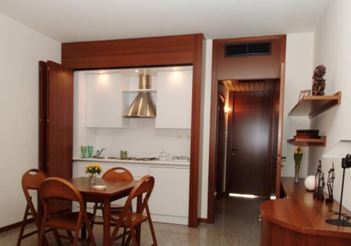 Milan fair apartments 4 tourist too