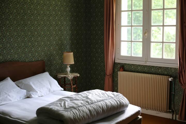 Chambre I, orientée Ouest, vue sur la Rhune
