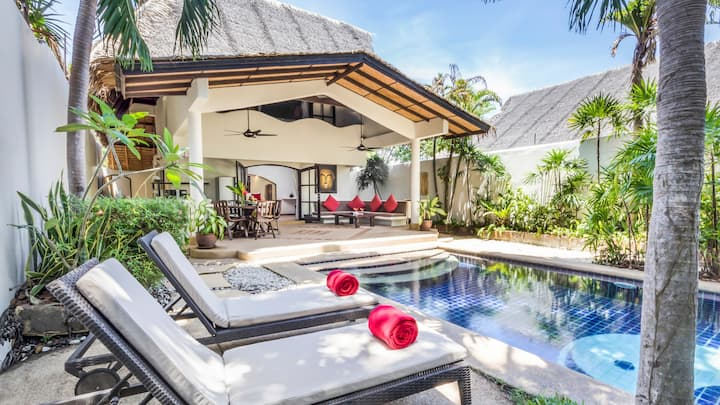 TROPICAL POOL BEACH COTTAGE | Beach-Pool-Freedom
