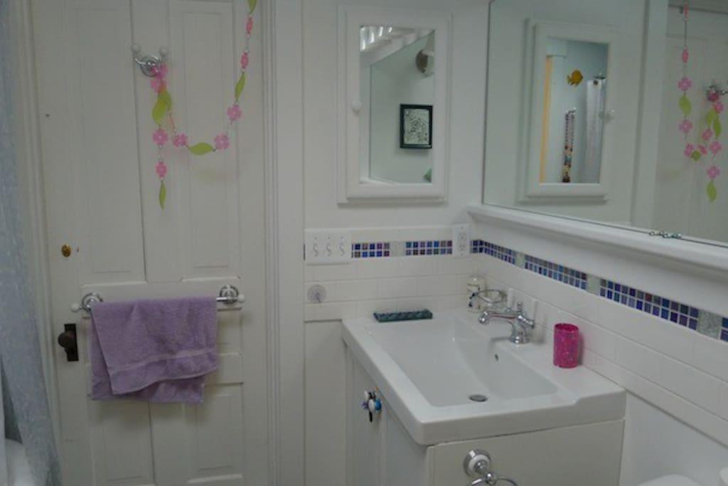 Mermaid Bathroom - 2