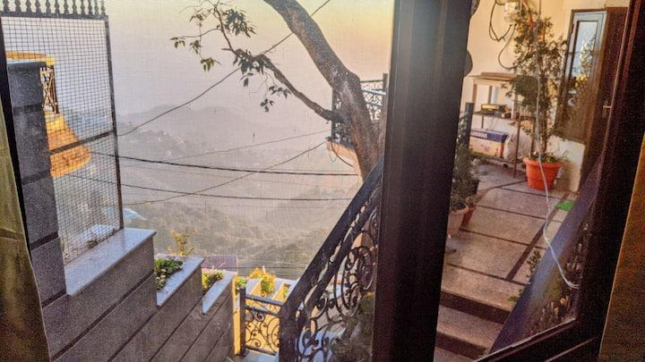 Casa Arhan Mussoorie LUXURY 1BHK Condo w/ Terrace