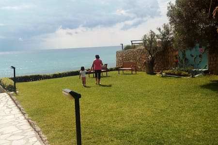Elite cottage overlooking the sea on the beach SD1 - Posidi - Apartamento