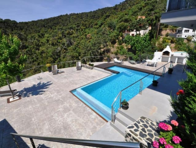 3 Floors Luxurious Villa Costa Brav - Lloret de Mar - Villa