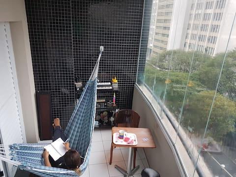 Estúdio próx. ao metrô República (5 min. a pé)