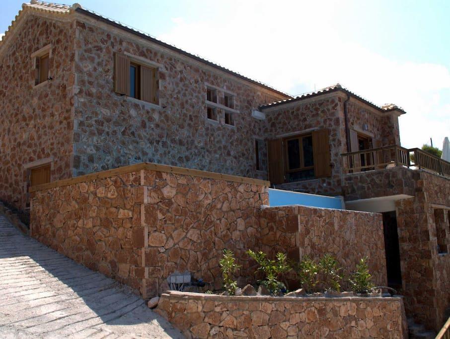 1st villa- 6 persons