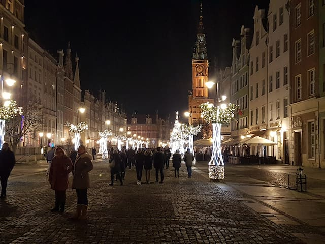 Długa street during Christmas