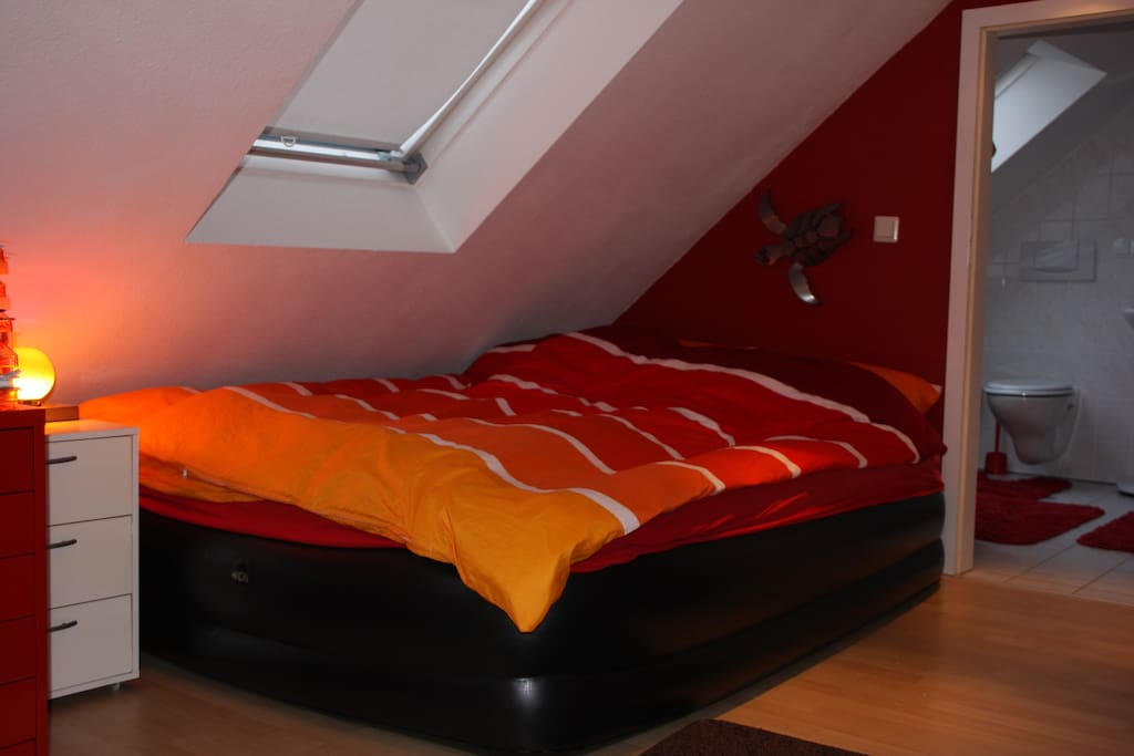 airbed / host room