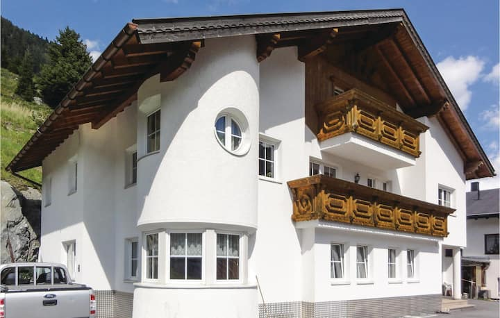 Awesome home in Ischgl with WiFi and 2 Bedrooms