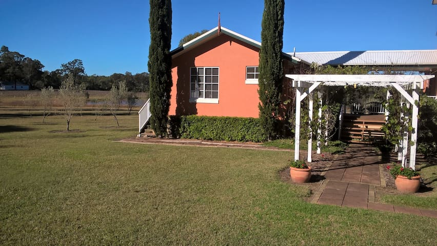 Bremabian Vineyard Couples Villa - Lovedale