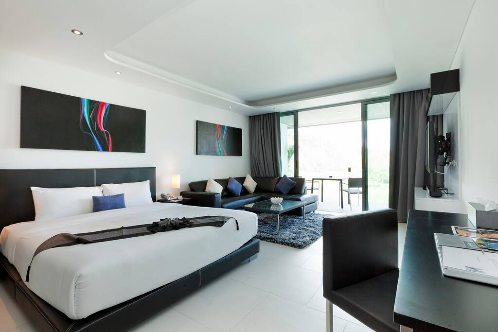THE 56 SQM STUDIO WITH SEAVIEW  AT 5 STAR HOTEL PATONG