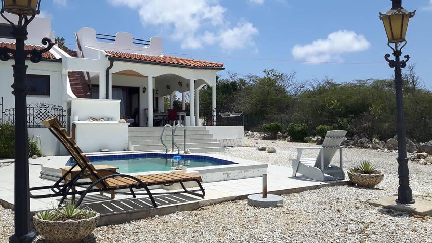 Villa Sabadeco Bonaire with pool and ocean vieuw - Kralendijk - Villa
