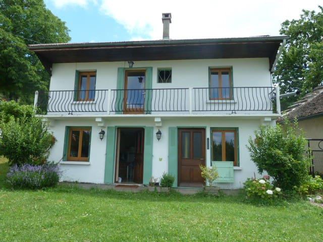 Maison Nature en montagne Bugey - Rossillon
