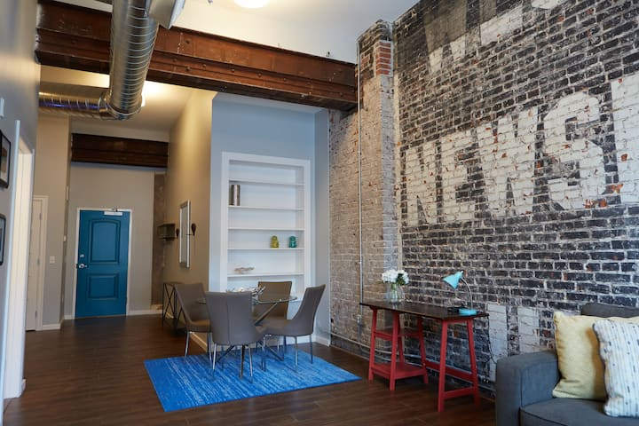 Quality Hill 1BR Loft in Historic Building