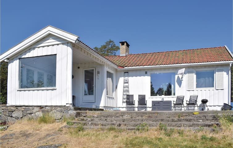 Holiday cottage with 3 bedrooms on 95m² in Larkollen