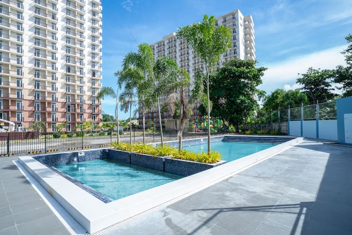 *New* oceanview studio w/ swimming pool  (18C)
