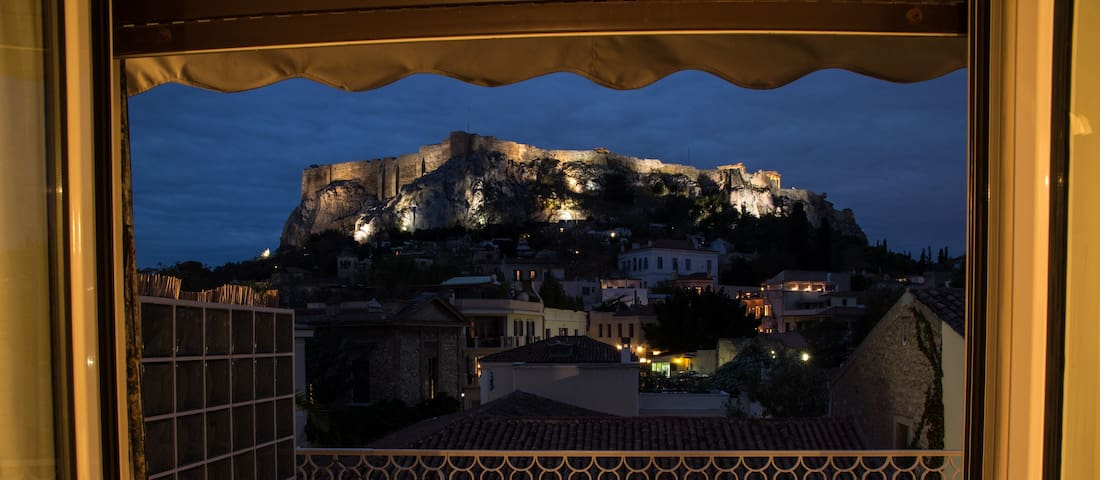 Acropolis view apartment in the heart of Plaka