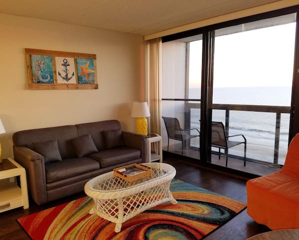 OCEANFRONT - Family Friendly Condo