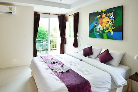 AT KAMALA Deluxe Double Room Only 2 - Kathu