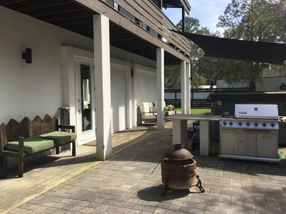 Courtyard: seating for six, fire pit with starter stock of wood & propane grill