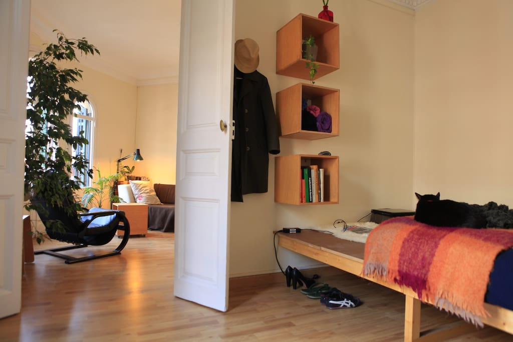 General view of the room. King size bed 1.50 x 2.00 m