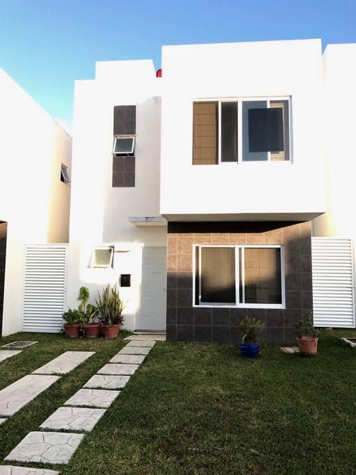 La casa. Number 8.