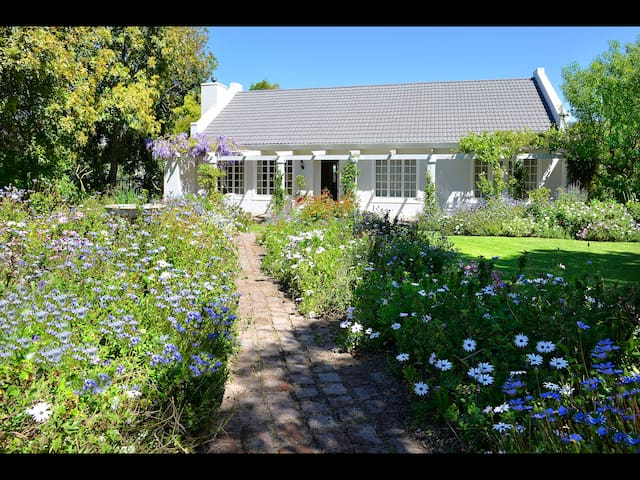 Well situated charming cottage - Franschhoek - Dom
