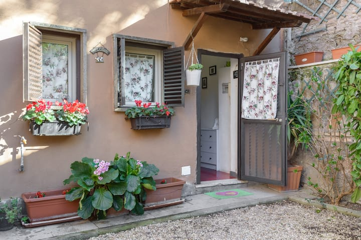 CASA FABIOLA THE LOW COST HOME IN ROME ❤❤