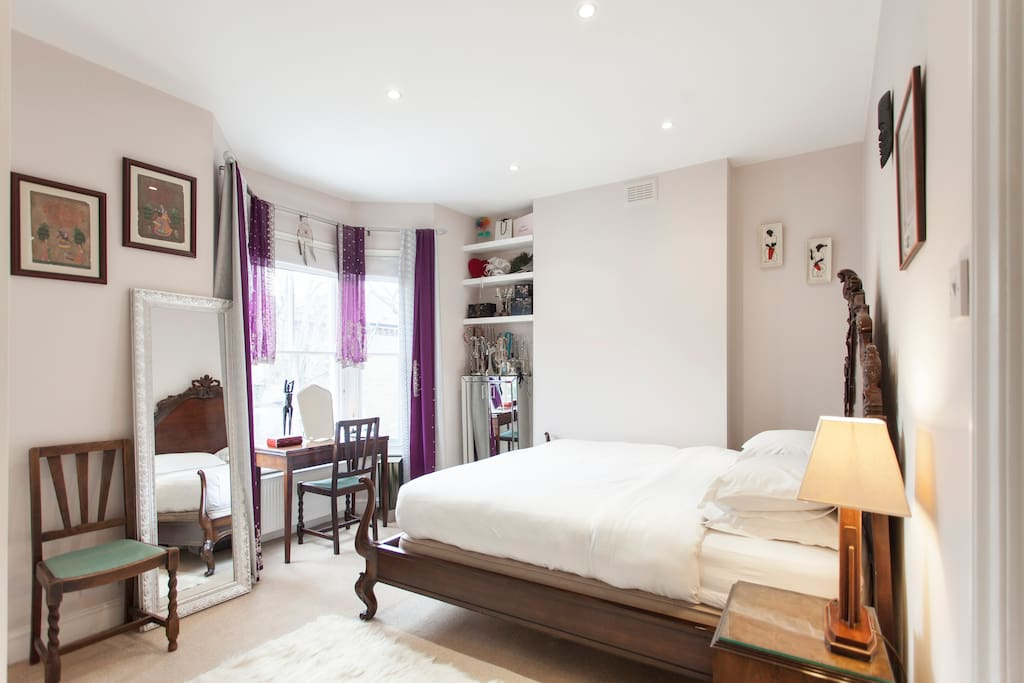 Master bedroom with Super King Size bed!!