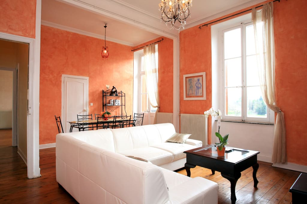 Apartment Prado front old Castel