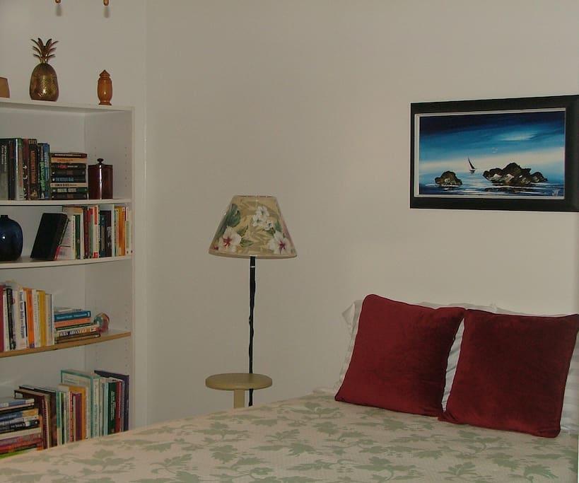 More of guestroom...