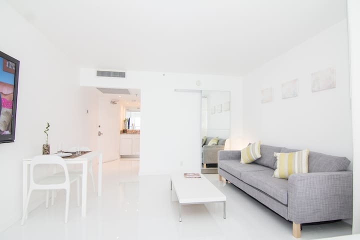 Best features: nice view, stylish design, huge flat panel TV, good Internet, comfortable bed, well-organized kitchenette. The pictures do not do it justice, its much better in live! - Leonardo (October 2018)