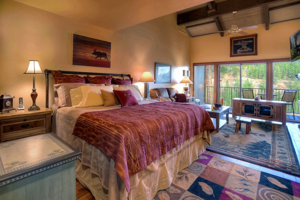 Durango Colorado vacation rental condo at Tamarron Golf Resort bedroom
