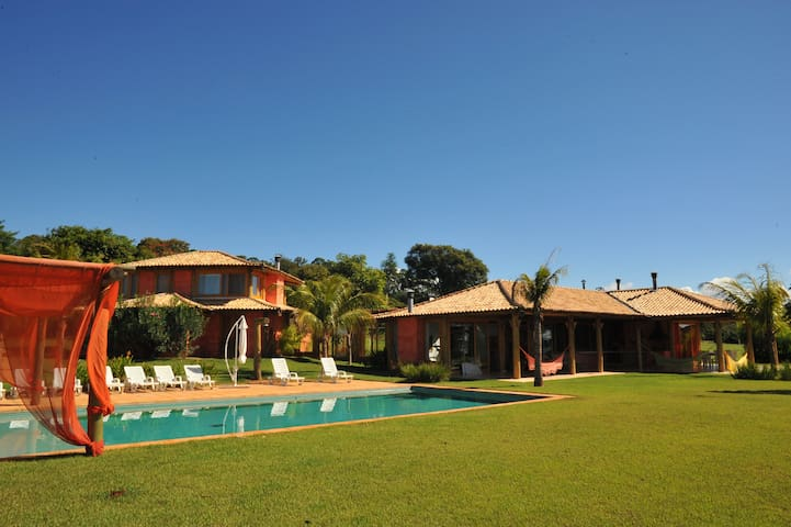 Wonderful House with 5 Suites - Avaré