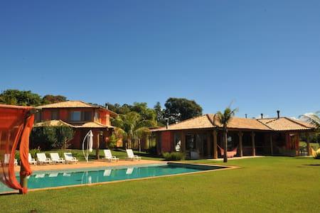 Maravilhosa Casa com 5 Suites - Avaré