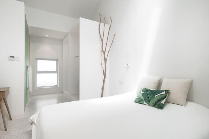 白格 BLANCO 设计酒店/天窗大床房/含早餐/可步行至西湖和雷峰塔 - 04号房