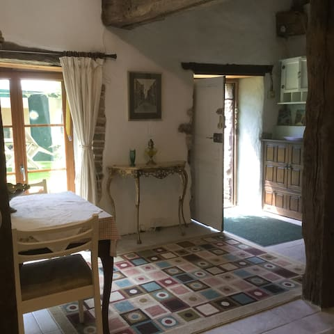 Charming gite ideal for short break . - Évriguet - Huis